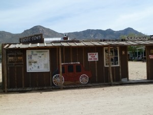 Saloon stop Bindlestiff Tours