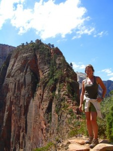 Hiking Angels Landing Zion with Bindlestiff Tours